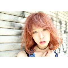 マルサラ ミディアム ガーリー モテ髪 ヘアスタイルや髪型の写真・画像