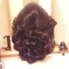 暗髪 結婚式 ヘアアレンジ ナチュラル ヘアスタイルや髪型の写真・画像