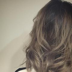 ストリート アッシュ ブリーチ ゆるふわ ヘアスタイルや髪型の写真・画像