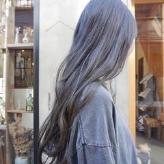 地毛風カラー くすみカラー ナチュラル 暗髪 ヘアスタイルや髪型の写真・画像