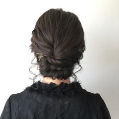 ヘアピン 簡単ヘアアレンジ シニヨン 大人女子 ヘアスタイルや髪型の写真・画像