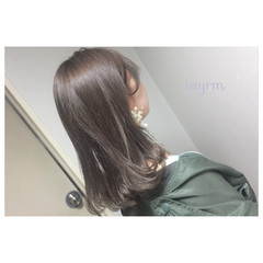 ガーリー 透明感 セミロング ラベンダーアッシュ ヘアスタイルや髪型の写真・画像