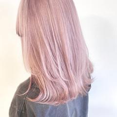 ロング ベリーピンク ホワイトベージュ ラベンダーカラー ヘアスタイルや髪型の写真・画像