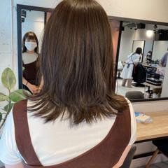 ベージュ ミディアム ブラウンベージュ ナチュラル ヘアスタイルや髪型の写真・画像