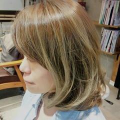 艶髪 ブラウンベージュ ガーリー 外国人風 ヘアスタイルや髪型の写真・画像