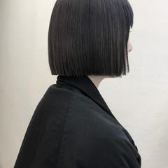 ブルーアッシュ ブルーブラック 切りっぱなし 切りっぱなしボブ ヘアスタイルや髪型の写真・画像
