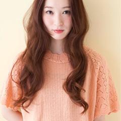 アッシュベージュ パーマ ロング 大人かわいい ヘアスタイルや髪型の写真・画像