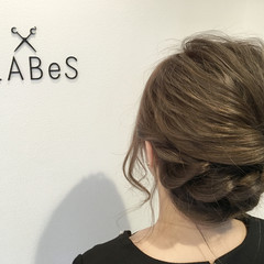 ヘアアレンジ アッシュ セミロング 波ウェーブ ヘアスタイルや髪型の写真・画像