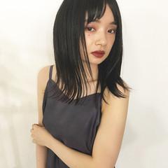 センター分け モード 黒髪 秋 ヘアスタイルや髪型の写真・画像