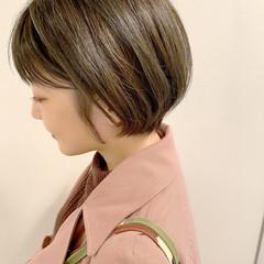 デート ショートヘア ショートボブ オフィス ヘアスタイルや髪型の写真・画像