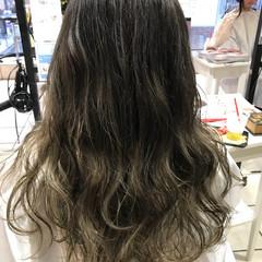 モード ロング ハイライト 外国人風 ヘアスタイルや髪型の写真・画像