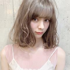 ベージュ グレージュ フェミニン オフィス ヘアスタイルや髪型の写真・画像