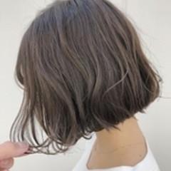 ショートボブ ミニボブ 切りっぱなしボブ ナチュラル ヘアスタイルや髪型の写真・画像