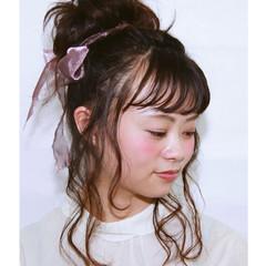 お団子 パーティ ヘアアレンジ フェミニン ヘアスタイルや髪型の写真・画像
