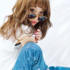 ストリート フェミニン ゆるふわ 外国人風 ヘアスタイルや髪型の写真・画像