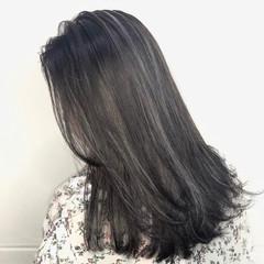 ホワイトハイライト ハイライト レイヤースタイル セミロング ヘアスタイルや髪型の写真・画像