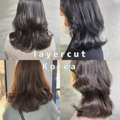 インナーカラー ミディアム ナチュラル ウルフカット ヘアスタイルや髪型の写真・画像