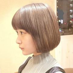 ミニボブ ハイライト ガーリー ベージュカラー ヘアスタイルや髪型の写真・画像