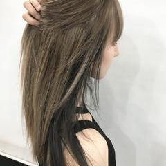 ブリーチ セミロング ナチュラル ダブルカラー ヘアスタイルや髪型の写真・画像