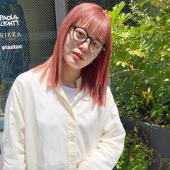 ミディアム 大人女子 ピンク 切りっぱなしボブ ヘアスタイルや髪型の写真・画像