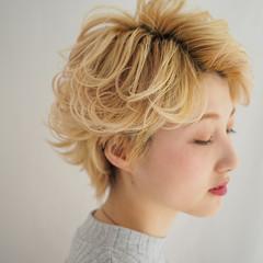 ナチュラル ハイトーン 色気 ショート ヘアスタイルや髪型の写真・画像