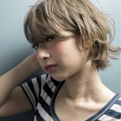 暗髪 ストレート ストリート ウェットヘア ヘアスタイルや髪型の写真・画像