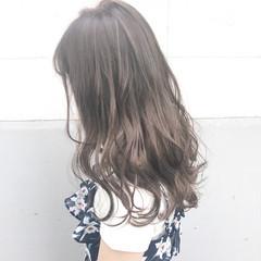 フェミニン ロング ミルクティー アンニュイ ヘアスタイルや髪型の写真・画像