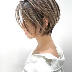ショート バレイヤージュ ナチュラル ショートボブ ヘアスタイルや髪型の写真・画像