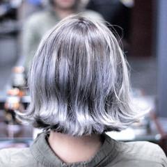個性的 ボブ ブルー ブルーアッシュ ヘアスタイルや髪型の写真・画像