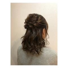 お呼ばれ ハーフアップ 結婚式 オフィス ヘアスタイルや髪型の写真・画像