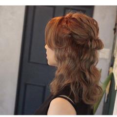 波ウェーブ ヘアアレンジ セミロング アッシュ ヘアスタイルや髪型の写真・画像