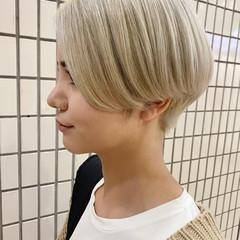 ブリーチカラー ブリーチ アッシュベージュ ナチュラル ヘアスタイルや髪型の写真・画像