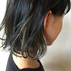 モード ミディアム インナーカラー 3Dカラー ヘアスタイルや髪型の写真・画像