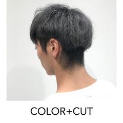グレー ブリーチオンカラー ナチュラル ホワイトグレージュ ヘアスタイルや髪型の写真・画像