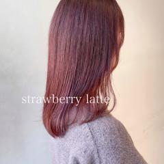 ピンクベージュ セミロング ピンクラベンダー ブリーチなし ヘアスタイルや髪型の写真・画像