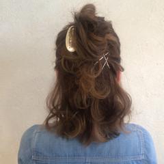 ショート ヘアアレンジ ミディアム 簡単ヘアアレンジ ヘアスタイルや髪型の写真・画像