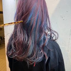 フェミニン セミロング インナーカラー ペールピンク ヘアスタイルや髪型の写真・画像