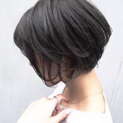ナチュラル アンニュイほつれヘア オフィス 秋 ヘアスタイルや髪型の写真・画像