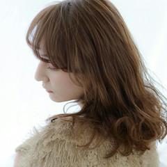 透明感 前髪あり 小顔 ふわふわ ヘアスタイルや髪型の写真・画像
