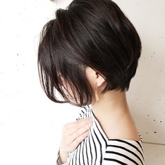 ヘアカット ショート ショートボブ ナチュラル ヘアスタイルや髪型の写真・画像