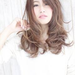セミロング 卵型 ゆるふわ 愛され ヘアスタイルや髪型の写真・画像