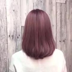 ブリーチカラー ナチュラル ピンクベージュ ダブルカラー ヘアスタイルや髪型の写真・画像