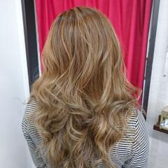 ミルクティー セミロング ミルクティーベージュ モード ヘアスタイルや髪型の写真・画像