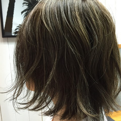 ハイライト 外ハネ ショートボブ ナチュラル ヘアスタイルや髪型の写真・画像