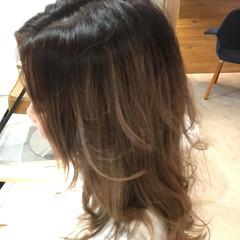 アッシュ ナチュラル セミロング くせ毛風 ヘアスタイルや髪型の写真・画像