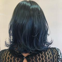ネイビーブルー ボブ モード インナーカラー ヘアスタイルや髪型の写真・画像