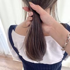 ハイライト 極細ハイライト アッシュベージュ セミロング ヘアスタイルや髪型の写真・画像