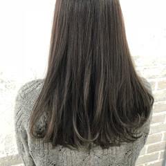セミロング グレージュ ブリーチ無し ダブルカラー ヘアスタイルや髪型の写真・画像