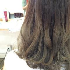 外国人風 グラデーションカラー ゆるふわ ミディアム ヘアスタイルや髪型の写真・画像