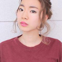 グラデーションカラー お団子 簡単ヘアアレンジ ショート ヘアスタイルや髪型の写真・画像